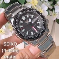 SEIKO SPORTS AUTOMATIC SILVER BLACK DIAL FULL SET BOX ORIGINAL