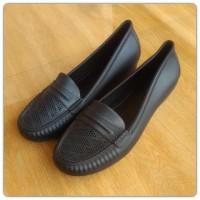 Sepatu karet pantofel hitam wanita kerja dinas formal
