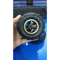 Ban Mobil Mainan RC Rock Crawler 1-16 Off Road 2.4GHz 4WD