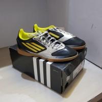 Sepatu Futsal Anak Adidas JR F5 In Silver/Black Original Murah No.35.5