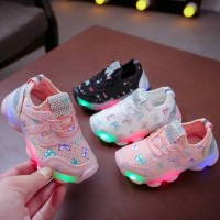 KUPU2 Sepatu Sneakers Anak Perempuan Breathable Dengan Lampu LED