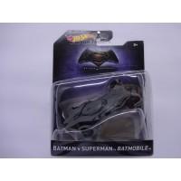 Hot wheels 1:50 Batman v Superman Batmobile