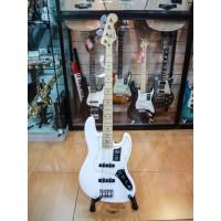 Fender Player Jazz Bass Guitar Maple Fretboard Polar White
