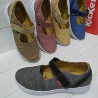 sepatu wanita tanpa tali Kickers RVS 02