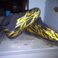 sepatu futsal specs iluzion size 43