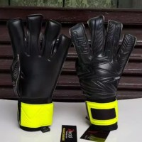 Fat Medius Tcut Blackout Lime sarung tangan kiper Goalkeeper Glove