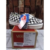 Vans Authentic Checker Board - Black White