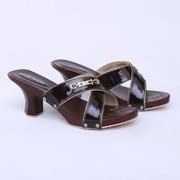 Sandal Heels 7 cm Coklat Sol Kayu Real Pict Branded Catenzo YT 068