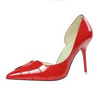 Sepatu High Heels Ujung Lancip untuk Pernikahan
