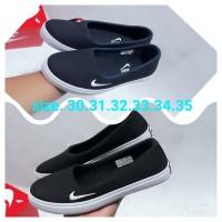 Sepatu anak perempuan slip on.santai.sekolah Nike Grade ORI import