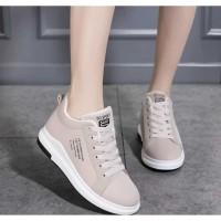 Sepatu Sneakers Wanita Viany SP40