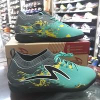 Sepatu Futsal Specs Cyanide TNT 19FS Riviera/Dark Cool Grey/Black