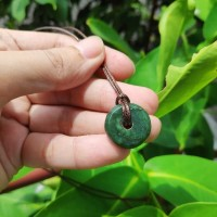 Liontin nephrite jade giok aceh bentuk donat