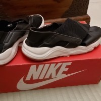 Preloved sepatu sneakers nike huarache original