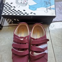 Sepatu sneakers adorable size 42 (preloved) good condition