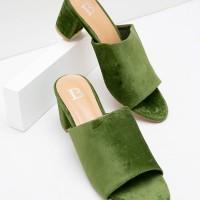 Berrybenka Sepatu Wanita Mules Shoes Locca Decyta Suede Mules Green