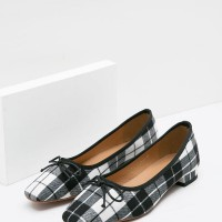 Berrybenka Sepatu Flat Shoes Wanita Mia Decyta Tartan Flats Black
