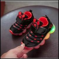 Sneakers Fashion Kids Shoes Mickey Mouse dengan Lampu LED Sepatu Anak