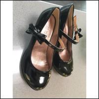 Sepatu heels ribbon glossy anak import