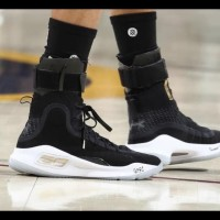 Hot Product Sepatu Basket - Under Armour Curry 4 Championship Black -