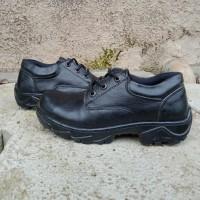 sepatu safety tali kulit asli