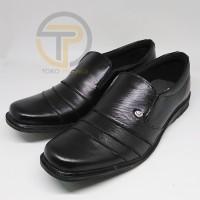 Sepatu pantofel pria kulit sintesis imitasi sol flat tanpa hak warna