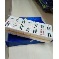 domino batu tas