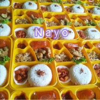 Tray bento/ Mika bento 4 sekat/ Kotak makan/ Lunchbox
