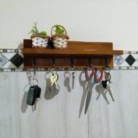 Tempat Kunci / Gantungan Kunci / Rak Kayu Serbaguna / Rak dinding