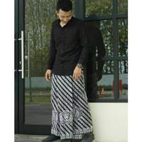 Sarung Batik Motif Klitik Gurdo Hitam Putih / Sarung Batik Jawa