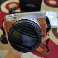 Mirrorless Fujifilm xa10 WiFi layar flip fullset