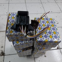 FUSE BOX ST100 EXTRA