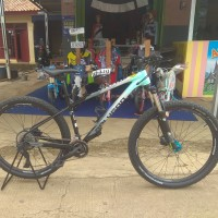 Sepeda MTB Polygon Xtrda 5 2021