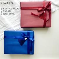 PAKET 5 kertas kado polos tassel + 1roll pita natal imlek tasel rumbai
