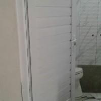 kusen alumunium 3in dan daun pintu kamar mandi isi spandreal