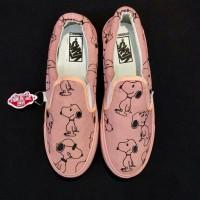 Sepatu Vans Slop Snoopy Wanita