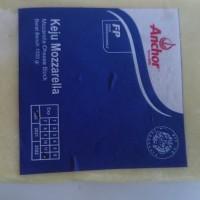 keju mozzarella Anchor ukuran 1 kg