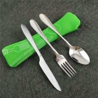 Terlaris Set 3Pcs Peralatan Sendok, Pisau dan Garpu Makan dengan