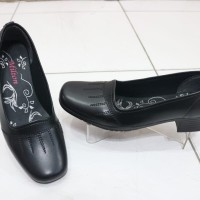 Sepatu Pantopel Selop MILTON untuk wanita