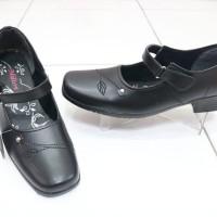 Sepatu pantopel MILTON Tali perekat Wanita