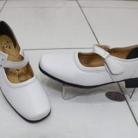 Sepatu Pantopel MILTON khusus warna Putih untuk wanita