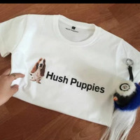KAOS HUSH PUPPIES TULISAN