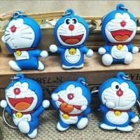 Gantungan kunci karakter Doraemon