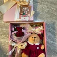 Kado Wisuda/Hadiah Wisuda/Bunga Wisuda/Kado ultah/Hadiah ultah (170k) - Merah Muda