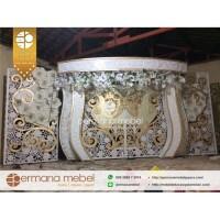 Gebyok Dekorasi Pelaminan Pernikahan Manten Modern Ukir Karet Spon