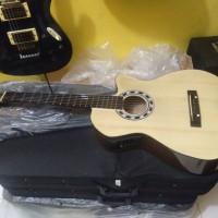 Gitar akustik elektrik yamaha untuk pemula/untuk belajar