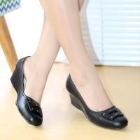 Sepatu Kerja Wanita Pantofel Kulit High Heels Sepatu Kantor Htm BKK03