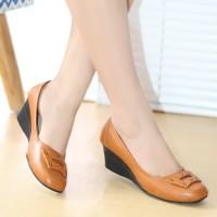 Sepatu Kerja Wanita Pantofel Kulit High Heels Sepatu Kantor TAN BKK03