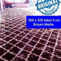 karpet rasfur bulu 300 x 200 tebal 5 cm karakter motif isi busa