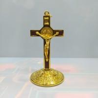 salib duduk besi Impor Benedictus / salib meja